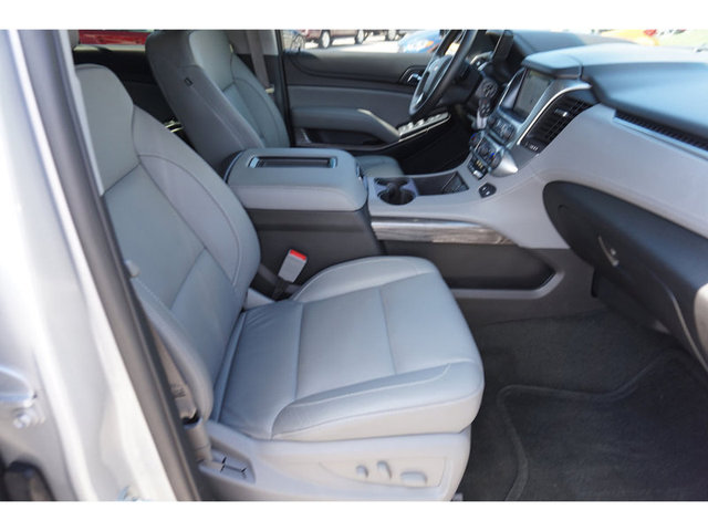 2016 Chevrolet Suburban LT 2WD photo