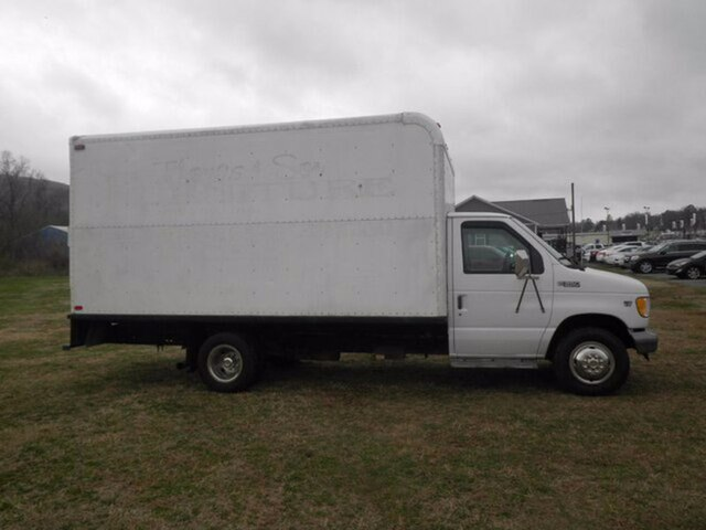 1999 Ford E-350 Super Duty DRW photo