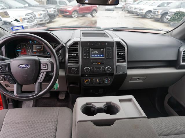 2017 Ford F-150 XLT 4WD 5.5 Box photo
