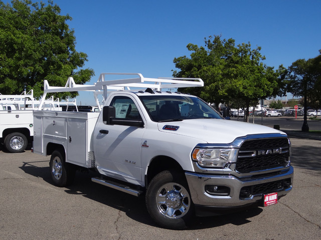 2019 RAM 3500 60in CA 4X4 photo