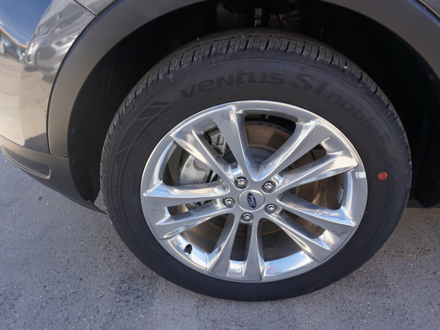 2019 Ford Explorer XLT FWD photo