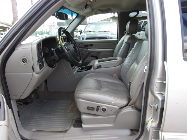 2004 Chevrolet Silverado 1500 LS photo
