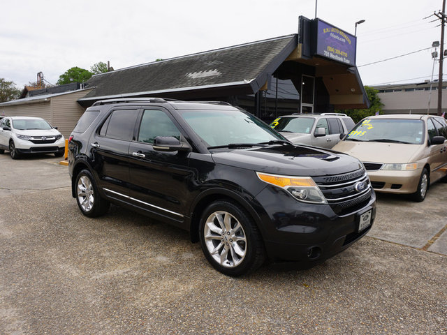 The 2012 Ford Explorer Limited photos