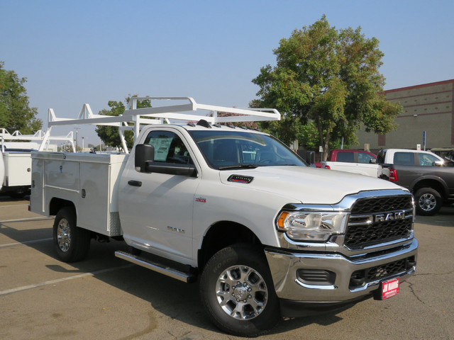 The 2019 RAM 3500 Tradesman 2WD 143WB