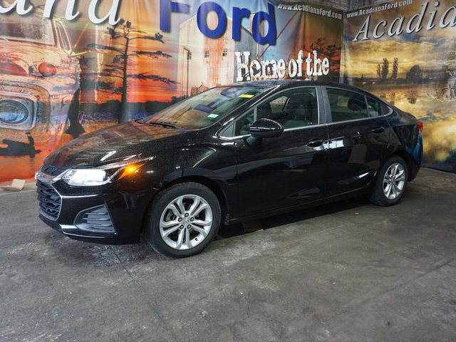 The 2019 Chevrolet Cruze LT photos