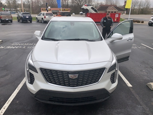 2019 Cadillac XT4 Luxury FWD photo
