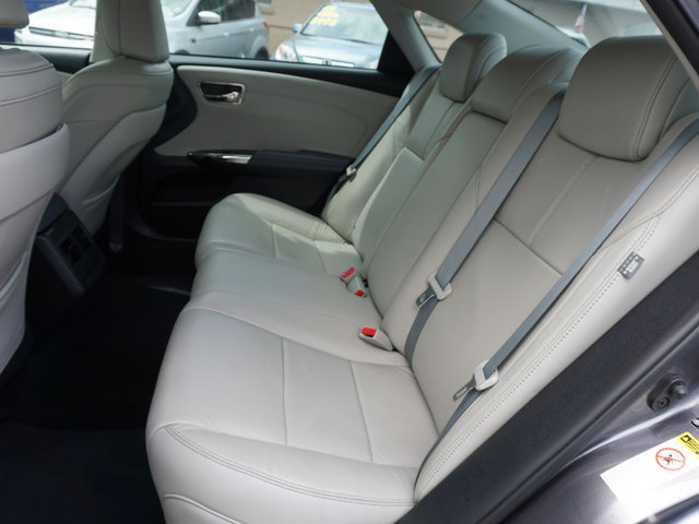 2014 Toyota Avalon XLE photo