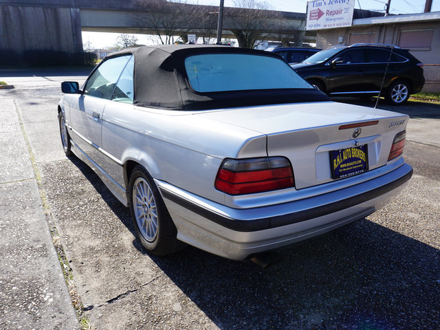 1999 BMW 3-Series 323i photo