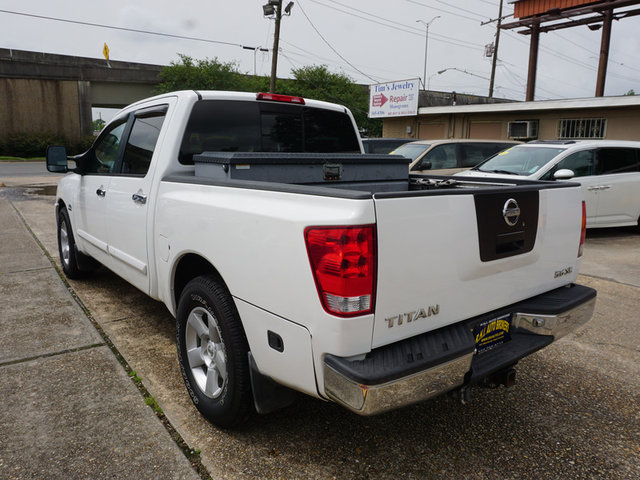 2004 Nissan Titan XE photo