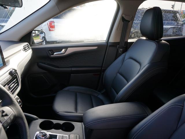 2020 Ford Escape SEL FWD photo