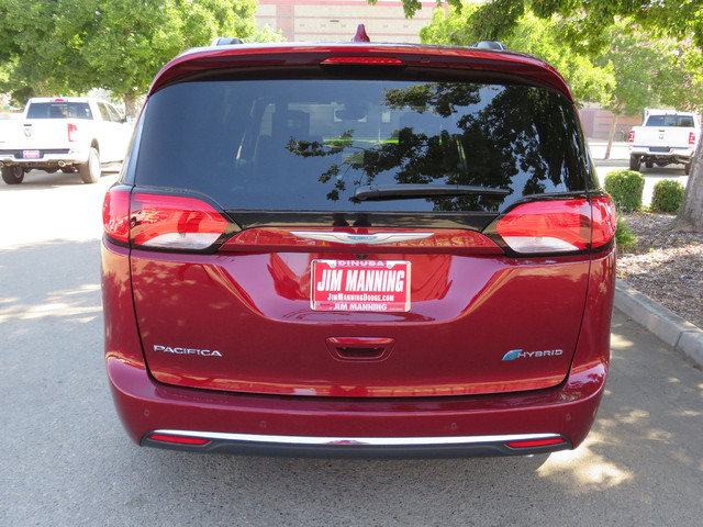 2020 Chrysler Pacifica Hybrid Limited photo