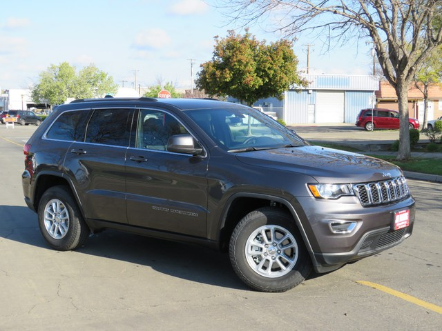 2020 Jeep Grand Cherokee Laredo E 2WD photo