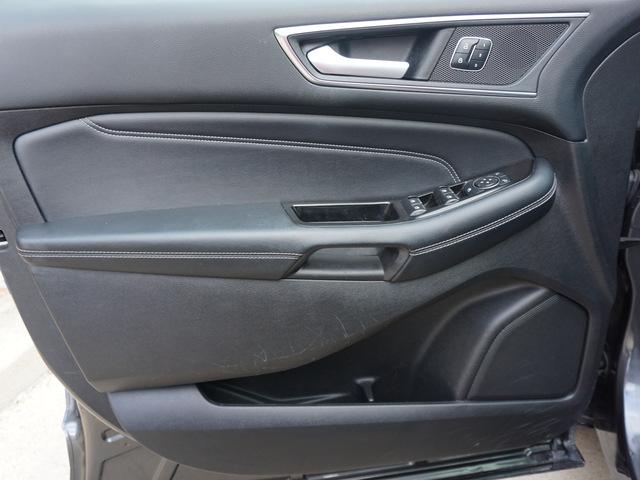 2017 Ford Edge Titanium FWD photo